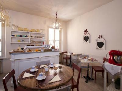 Prenota subito il tuo soggiorno presso hotel Broletto Mantova!