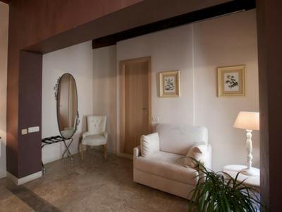 Prenota la tua stanza presso hotel Broletto Mantova!