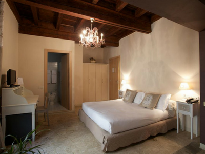 Dormi presso Hotel Broletto a Mantova