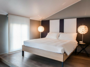 Camera da letto all'Hotel Casa Poli di Mantova