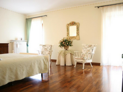 Camera spaziosa a Casa Margherita a Mantova